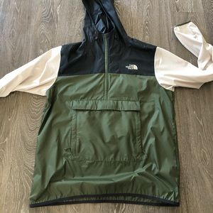 The North Face men's anorak size large EUC